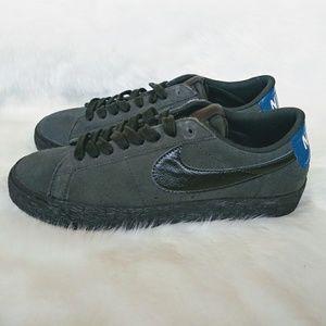 Nike SB Zoom Blazer Low Mens Sneakers